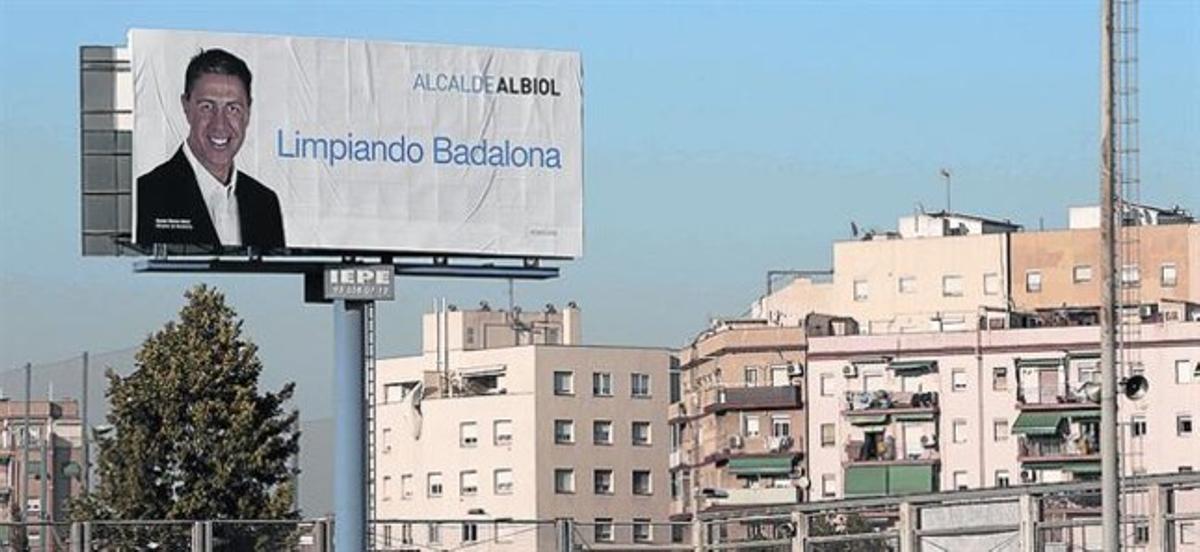 Propaganda poco limpiaUno de los carteles de Albiol en la pasada campaña de las municipales.