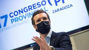 El presidente del PP, Pablo Casado, durante su intervención en la clausura del 17º Congreso Provincial del partido en Zaragoza, este 14 de noviembre.