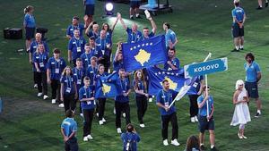 Deportistas de Kosovo en la inauguración de los Juegos Mediterráneos Tarragona 2018.