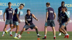 Sergi Roberto, Munir, Messi, Rakitic, Alcácer y Umtiti, en el entrenamiento previo al duelo contra el Valladolid.