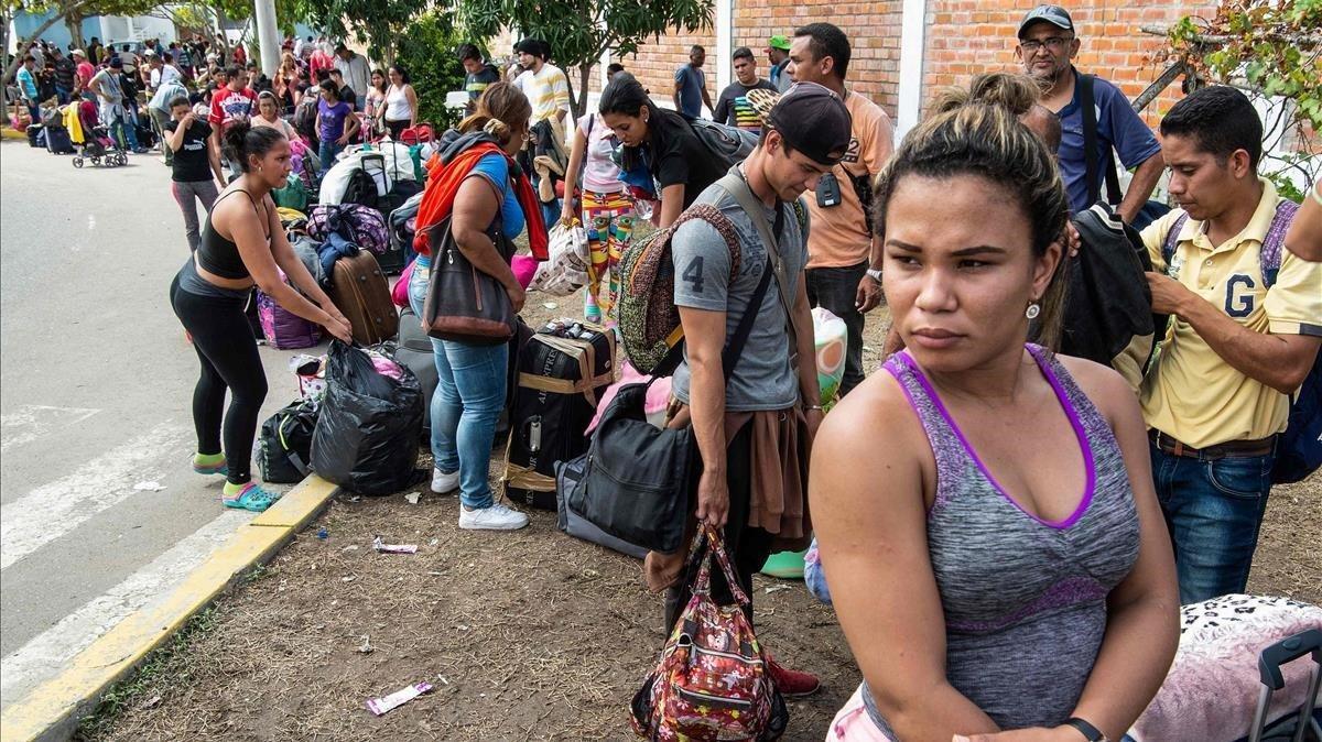5.000 venezolanos abandonan sus hogares cada día, según un informe de Acnur.