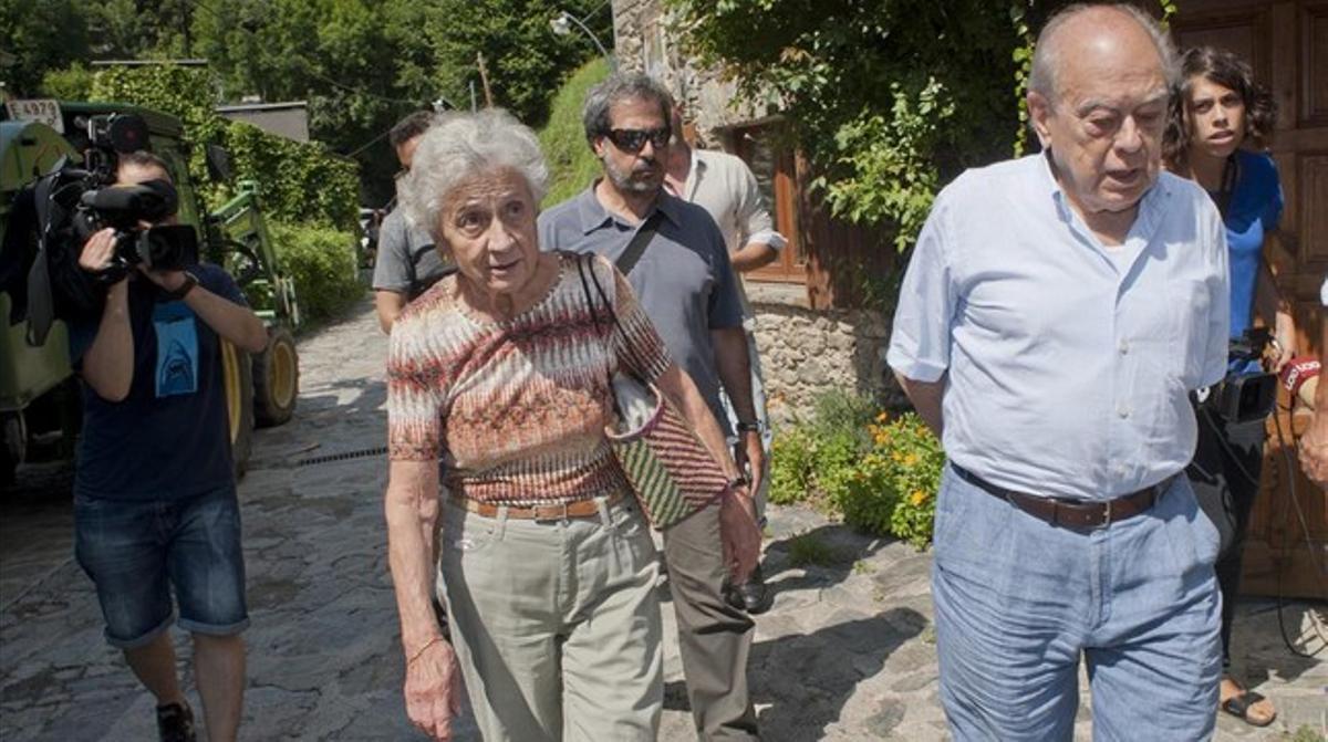 Vacaciones del 2014: Jordi Pujol y Marta Ferrusola, en Queralbs, el 8 de agosto del año pasado.