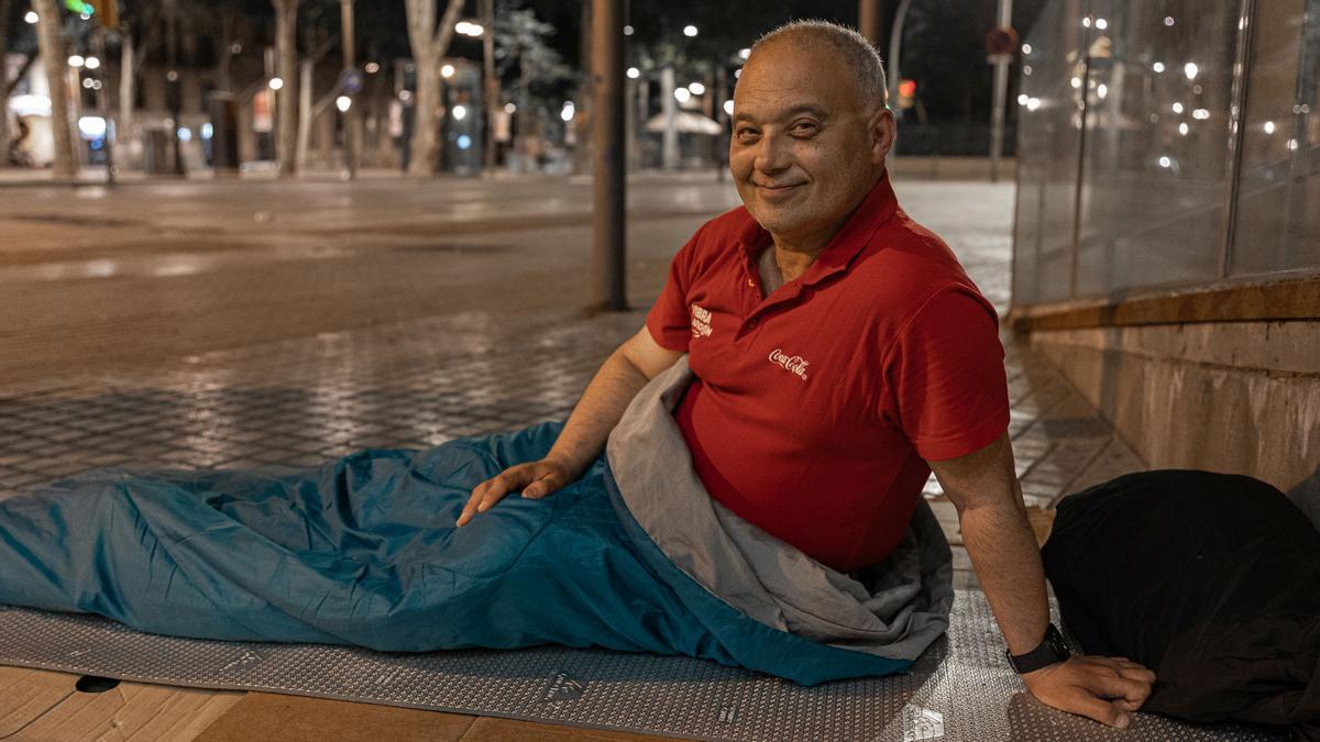 Jorge, un hombre sin techo de Barcelona que a sus 57 años acarrea varios problema de salud.