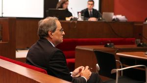 El 'expresident' de la Generalitat Quim Torra declara en el banquillo del Tribunal Superior de Justícia de Catalunya por no retirar los símbolos independentistas del balcón del Palau de la Generalitat, en noviembre de 2019.
