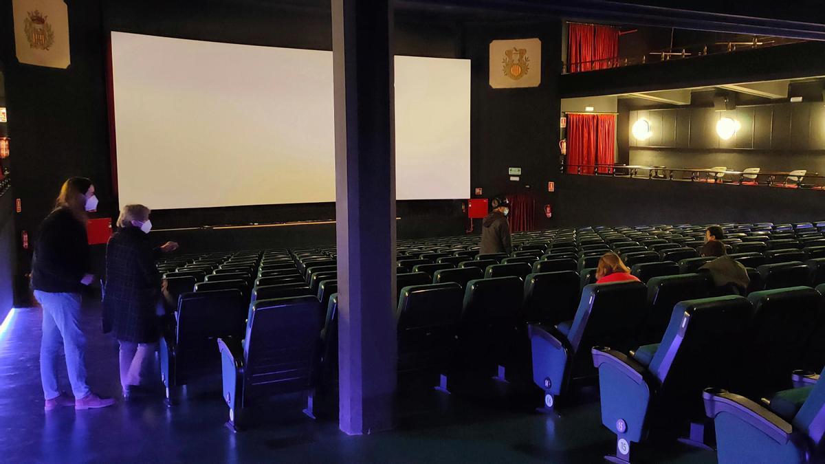 Interior de la sala de cine La Calandria, en Masnou, esta primavera.