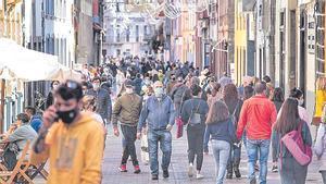 Siete de cada diez españoles quiere medidas más duras contra el covid