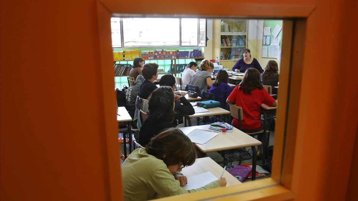 Alumnos en una escuela de L'Hospitalet.