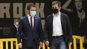 El coordinador nacional de los republicanos, Pere Aragonès, y el secretario general de JxCat, Jordi Sànchez. Foto: Ferran Nadeu