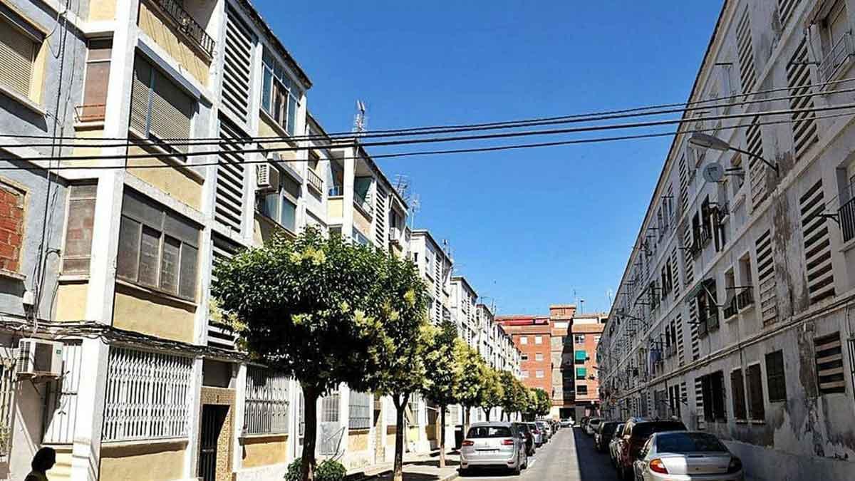 La calle del barrio de Las 300 de Elda donde se produjo el episodio de violencia de género.