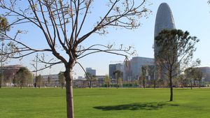 El parc de les Glòries de Barcelona obre avui una nova zona verda