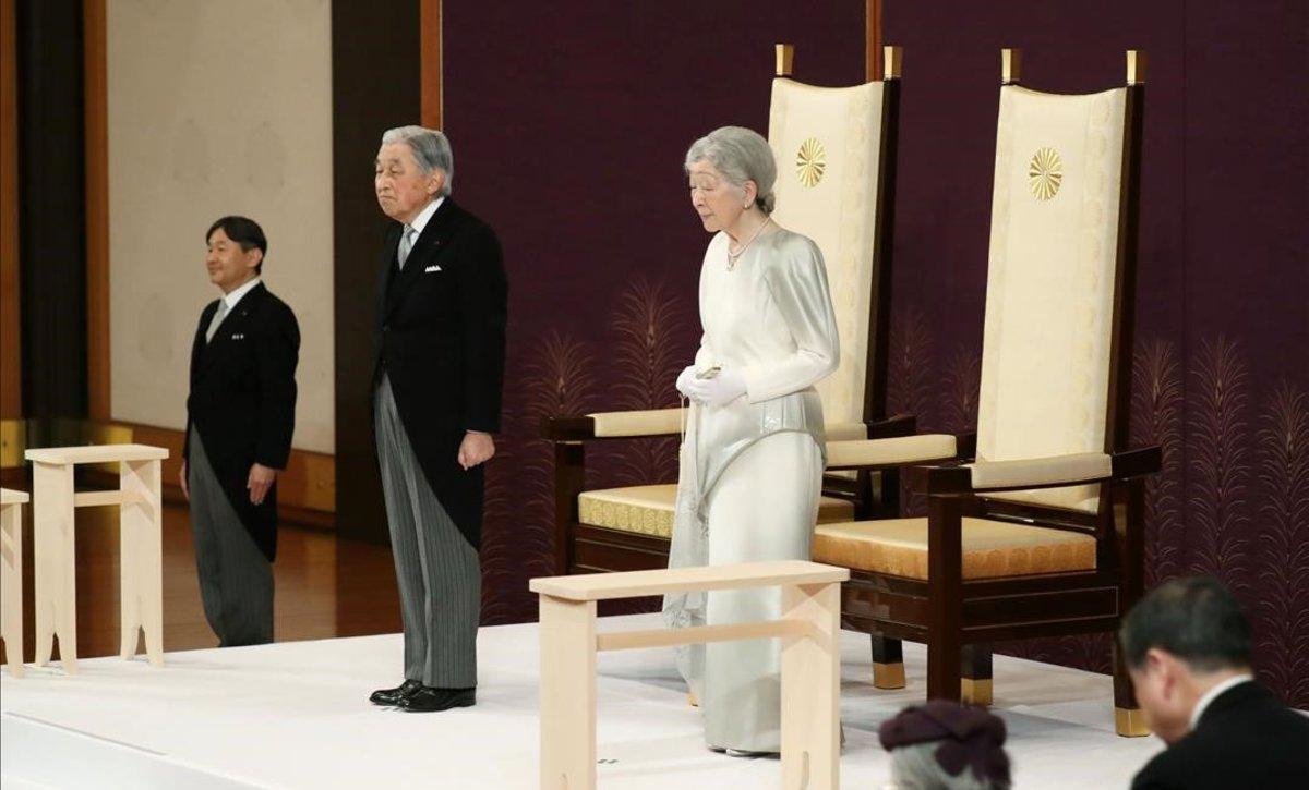 El emperador Akihito durante su ceremonia de abdicación.