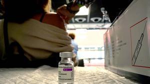 El Wizink Centre de Madrid abre hoy por primer dia otro centro de vacunación masivo comenzando por la vacunaAstraZeneca.