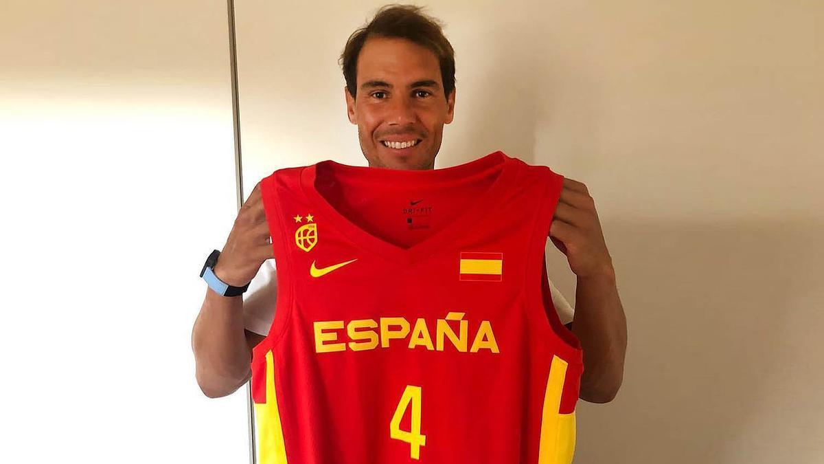 Rafa Nadal muestra su apoyo a la selección española de baloncesto