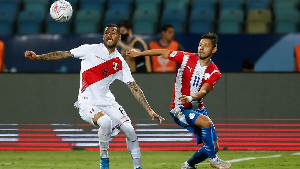 Un instante del Perú - Paraguay.