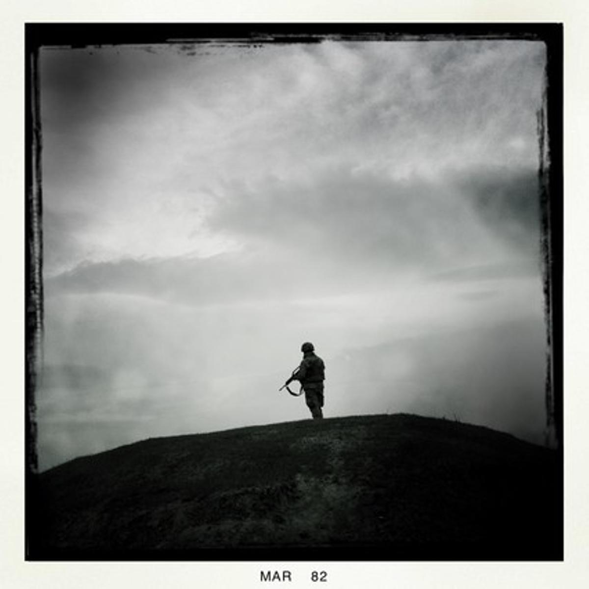 Un soldat, a la vallde Muqur, a uns 35 quilòmetres de Qala i Naw.