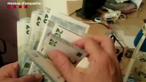 Desarticulados tres laboratorios de falsificación de euros en Badalona.