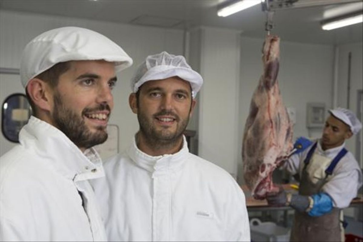 Obrador de Pirinat 8 Enric i Raimon Camprubí, amb els seus productes.