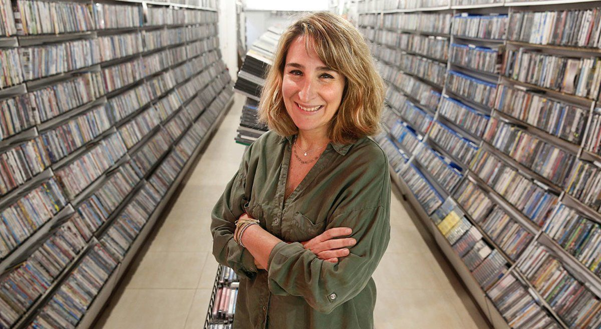 Aurora Depares, en el Video Instan, el negocio que fundaron sus padres y que ha reabierto en la calle de Viladomant.