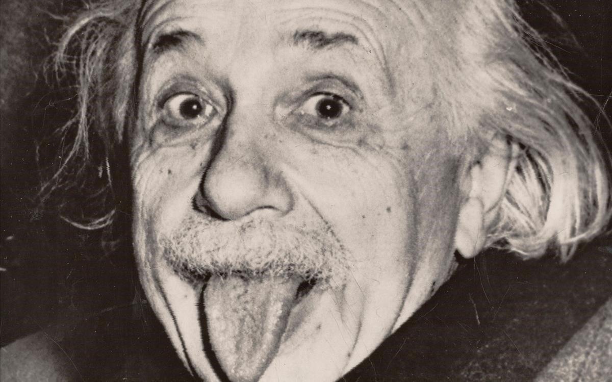 La còpia més antiga de la foto d'Albert Einstein traient la llengua, a subhasta