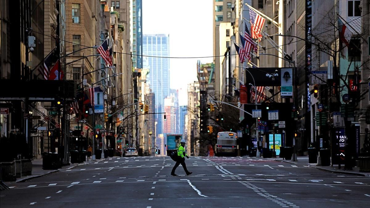 La Quinta avenida de Nueva York,casi desierta por el coronavirus.