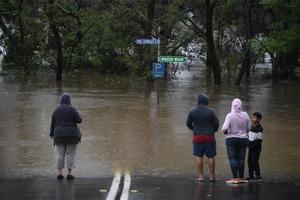 Australia evacúa a 18.000 personas por las peores inundaciones en décadas. En la foto, efectos de las fuertes lluvias en Windsor, al noroeste de Sydney.