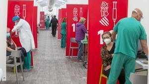 España destinará las vacunas de Janssen, las primeras unidosis, al grupo de entre 70 y 79 años
