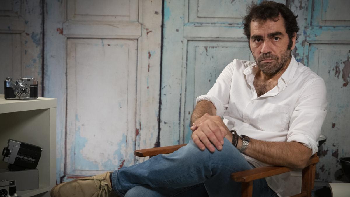 Entrevista a Alejando Fernández, que afirma haber sufrido abusos sexuales cuendo tenía 14 años por parte del antiguo director de su colegio, Lluís G.M.