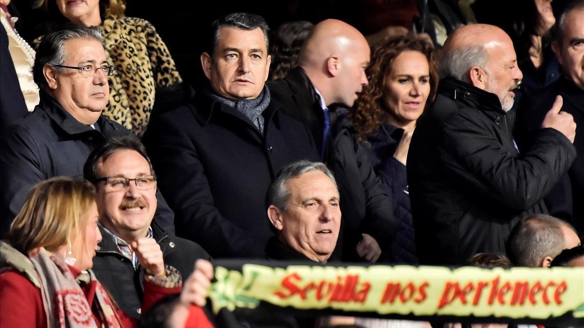 El ministro de Interior Juan Ignacio Zoido en el palco delSánchez-Pizjuán, en Sevilla, el Día de Reyes.