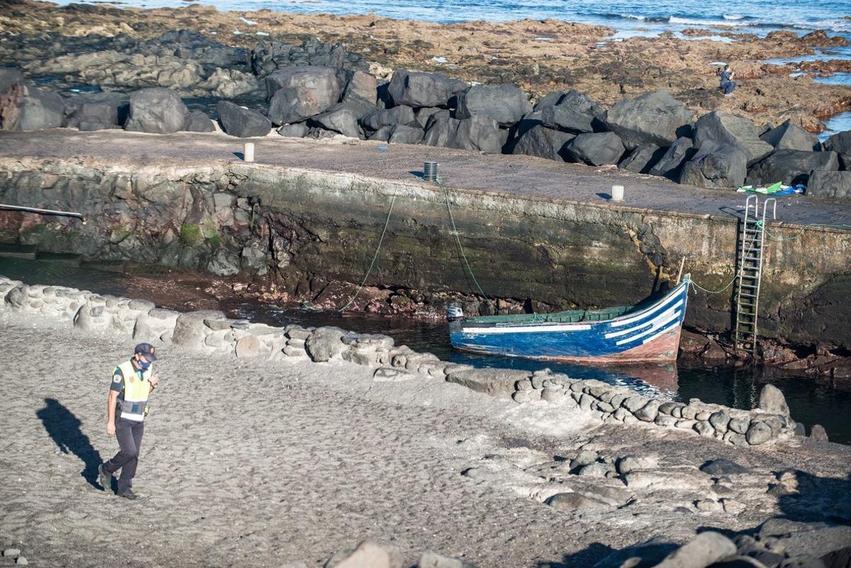 La patera llegada a Tinajo (Lanzarote) con 19 migrantes a bordo