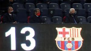 Laporta, en el palco del Camp Nou, este lunes.