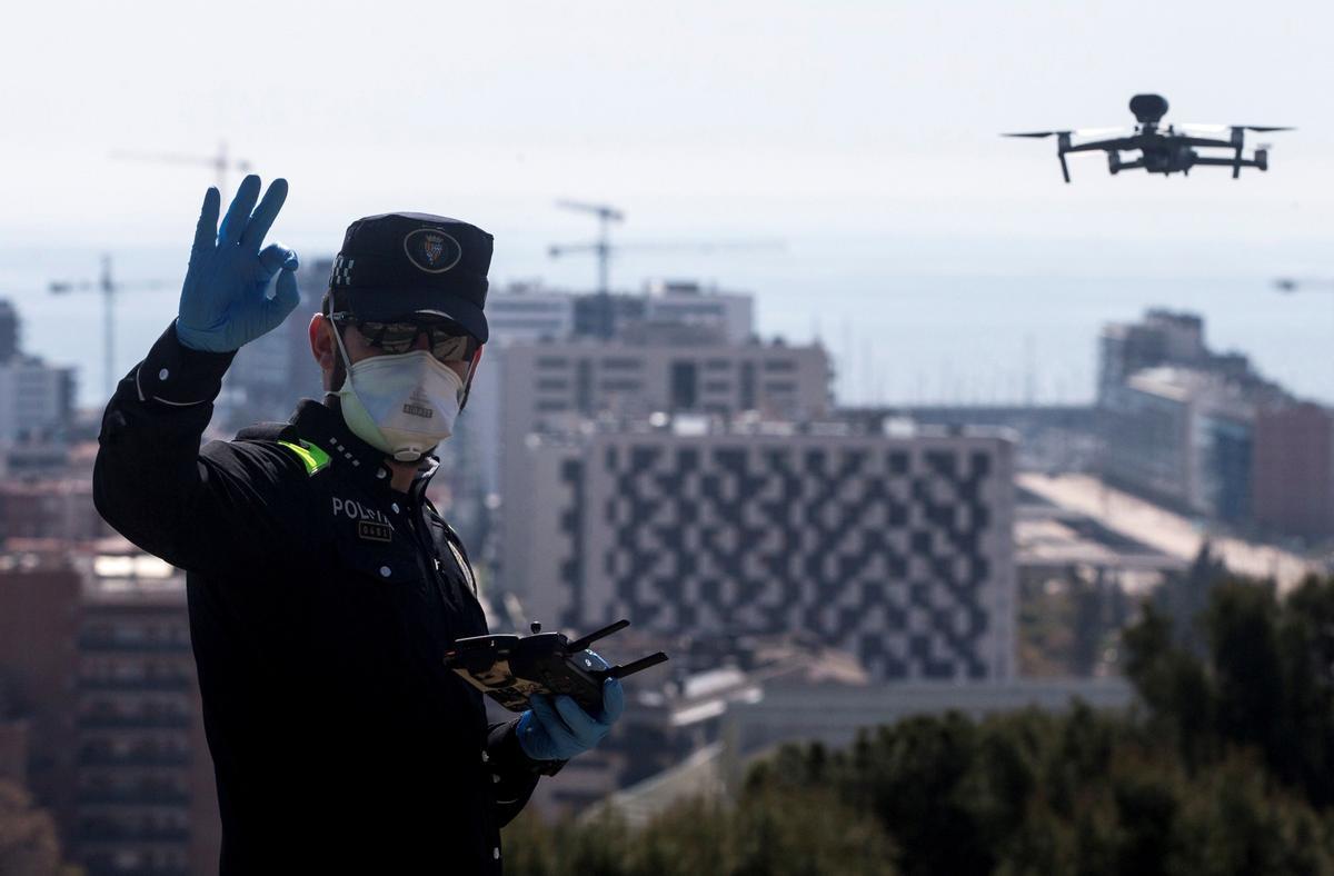 Policía de Badalona estrena dron para detectar infracciones de confinamiento