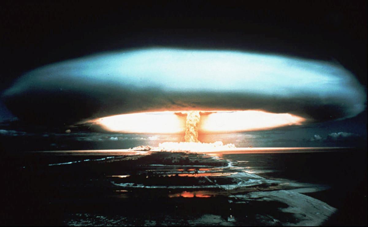 Bomba nuclear detonada en el atolón de Mururoa, en la Polinesia francesa, en 1971.rancesa.