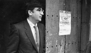 Ernest Lluch en 1986, durante la campaña para el referéndum de la OTAN.
