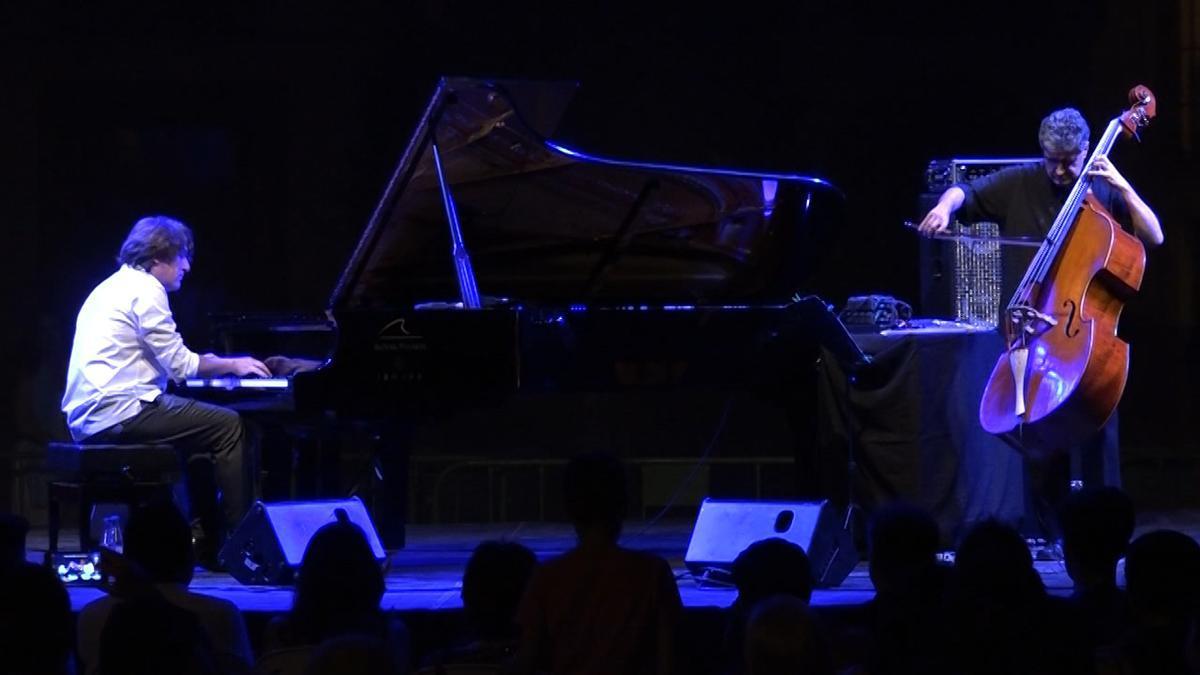Actuació de Dorantes i Renaud García-Fons.