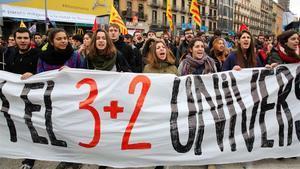 La universitat catalana fa el salt als graus de tres anys
