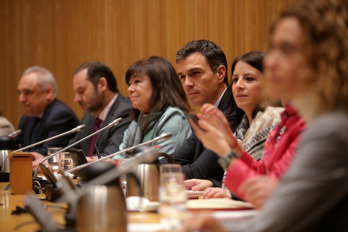 Pedro Sánchez en la reunión del grupo parlamentario del PSOE en el Congreso de los Diputados.