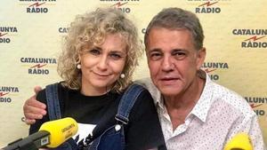 Mònica Terribas y Joaquim Maria Puyal, en un estudio de Catalunya Ràdio.