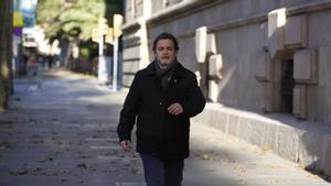 Oriol Pujol, a su llegada a la Audiencia de Barcelona, que hoy decide si ingresa en prisión por el caso ITV.