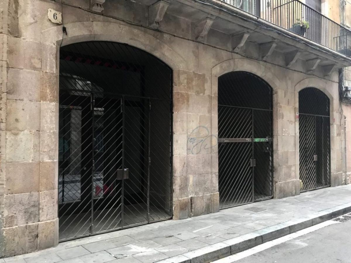 Uno de los locales cedidos por el Ayuntamiento en el número 6 de la calle Sant Ramón. Los locales se destinarán para actividades comerciales necesarias para la ciudadanía y beneficiosas para desarrollo económico y comunitario de los barrios.