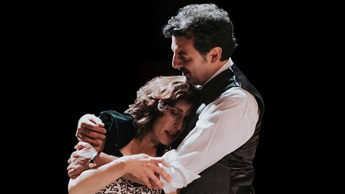 Clara Segura y Enrico Ianniello en un momento de 'Filumena Marturano'.