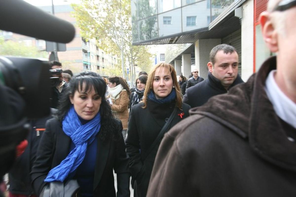 María Elena Pérez, alcaldesa de Montcada i Reixac, a su llegado a los juzgados de Sabadell este sábado.