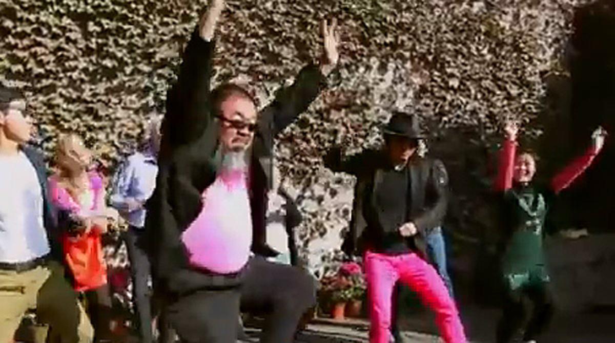 Ai Weiwei también baila el 'Gangnam Style'.