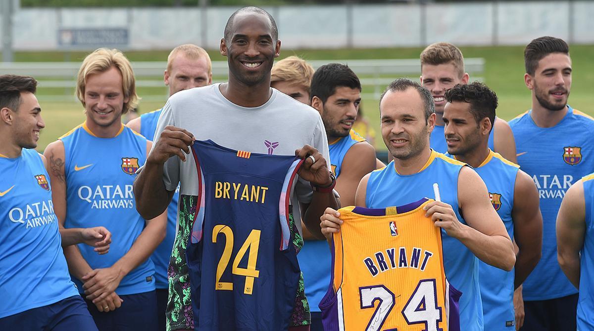 El jugador de los Lakers se convierte en protagonista del entrenamiento en el Stub Hub Center de Los Ángeles.