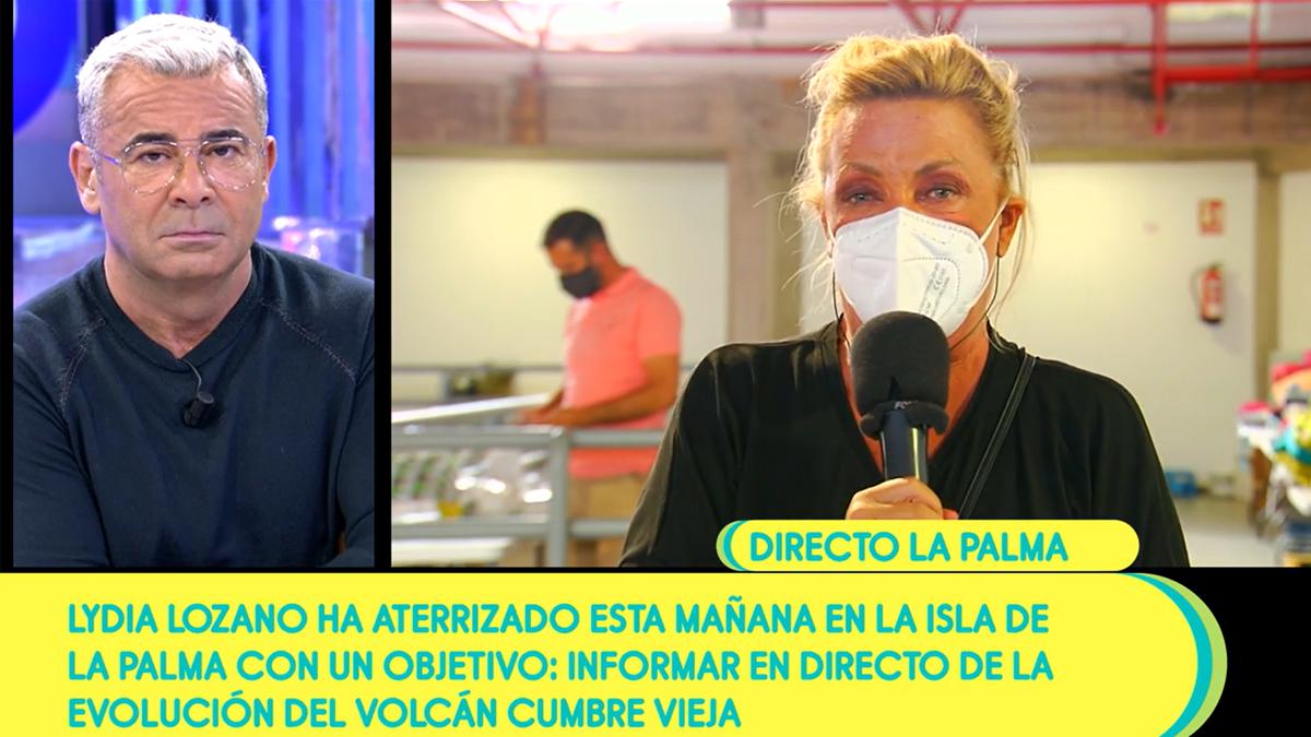 """Lydia Lozano rompe a llorar en un directo de 'Sálvame' desde La Palma: """"No tengo palabras"""""""