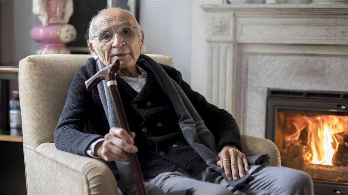 Francisco Brines, l'últim de la generació dels 50, guanya el Cervantes