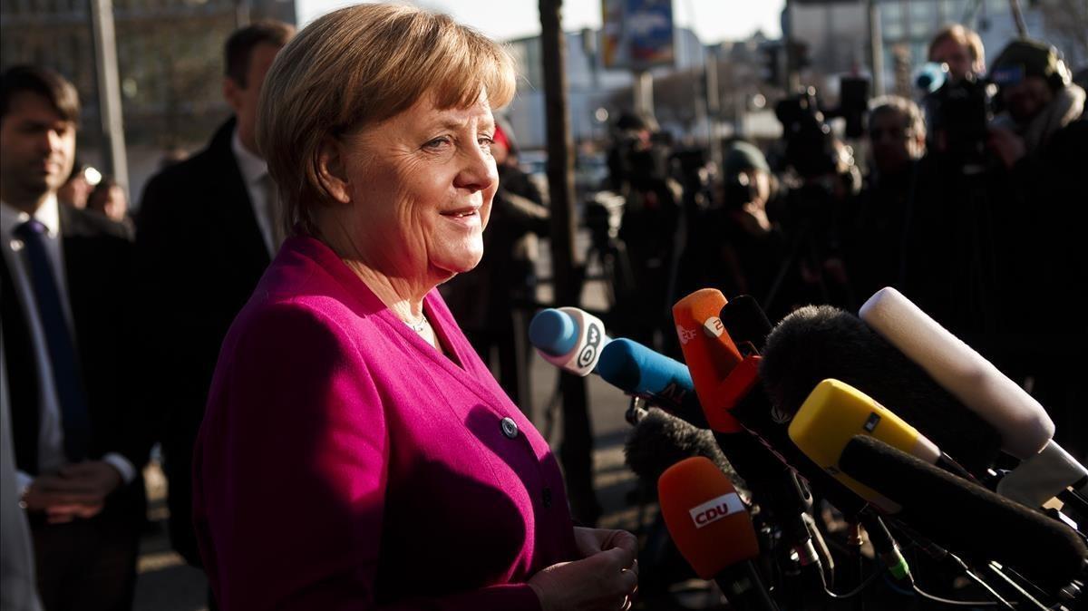 Angela Merkel, antes de iniciar la jornada de negociación.