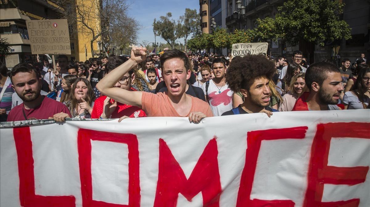 Manifestación contra la LOMCE en marzo del 2017, en València.