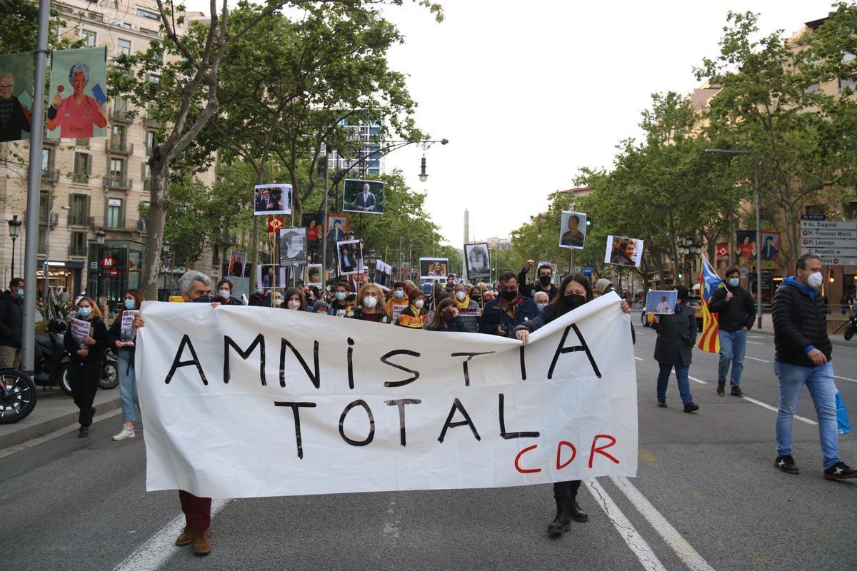 Manifestantes piden la amnistía total para los CDR en Barcelona