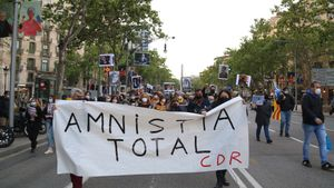 Un centenar de manifestants demanen l'amnistia total per als CDRs a Barcelona