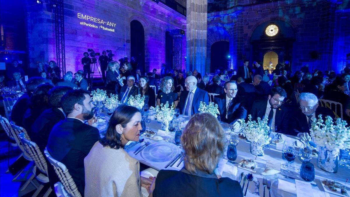 Mesa de autoridades en la cena de la Gala.
